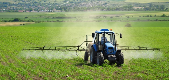 zemedelie traktor