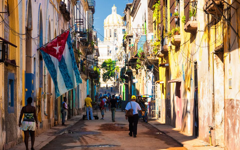 current event article cuba embargo A year later, obama began to normalize the us-cuba ties, and followed that up with a visit to cuba in march of this year, becoming the first sitting us.
